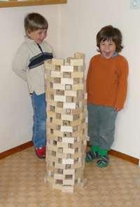 gemeinsamer Turm aus Bausteine