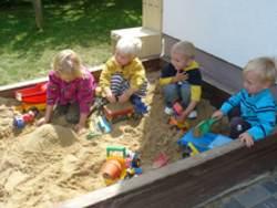 Spiel im Sandkasten